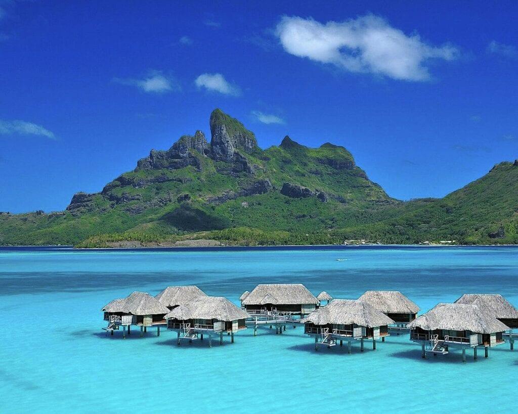 Le lagon de l'île de Rangali, dans l'archipel des Maldives