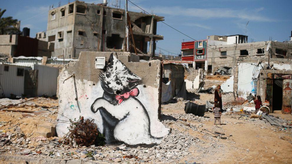 Banksy - street art - creads